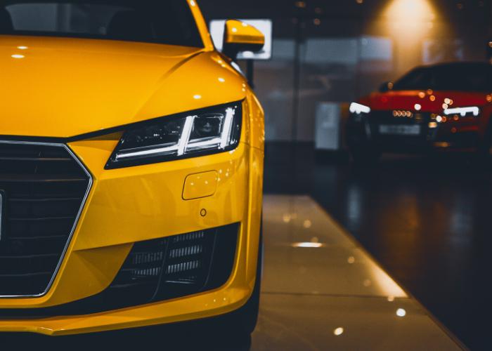 carro amarelo moderno